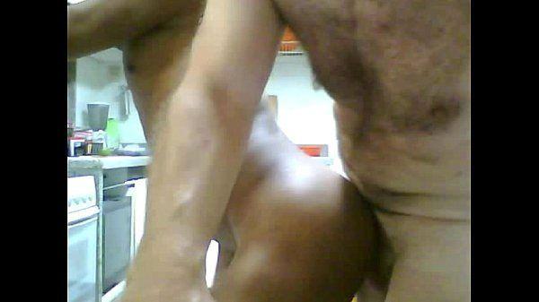 Macho peludo torando o cu do namorado