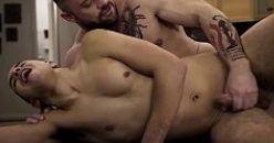 Sarados promovem vídeo de sexo gay para fãs