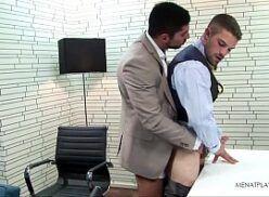 Sexo quente no escritório