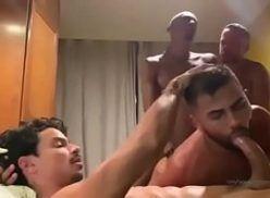 Amador gay mamando o dotadão
