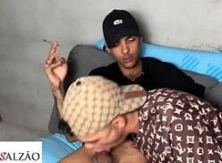 Maconheiros gostosos fazendo um pornô gay